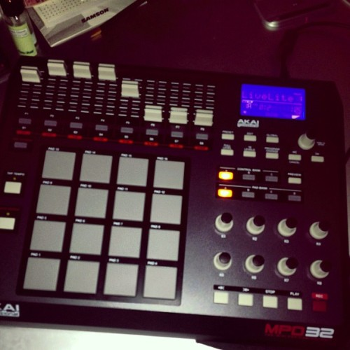 worship-the-sun:  My new MPD32 #Akai