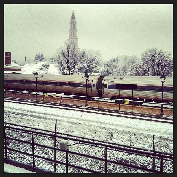 Virginia-bound. #wpsnow #winterwonderland #Amtrak #Virginia  (at 1650 King St)
