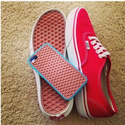 beauty-glam:  VANS | via Facebook on We Heart It - http://weheartit.com/entry/59387141/via/cynthiagarzahdz   Hearted from: http://www.facebook.com/photo.php?fbid=356443544468055&set=a.344017039044039.1073741828.344015932377483&type=1&theater