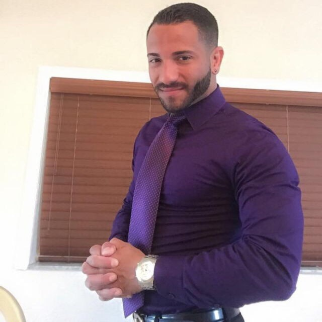 2018-06-04 05:20:24 - thereal2daddiesnlove hot man exposing himself beardburnme http://www.neofic.com