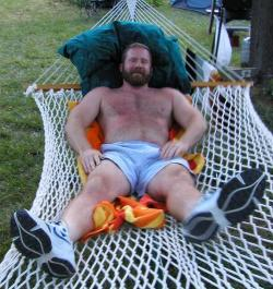 dadsonluv:  Wanna climb up in the hammock with your old man?