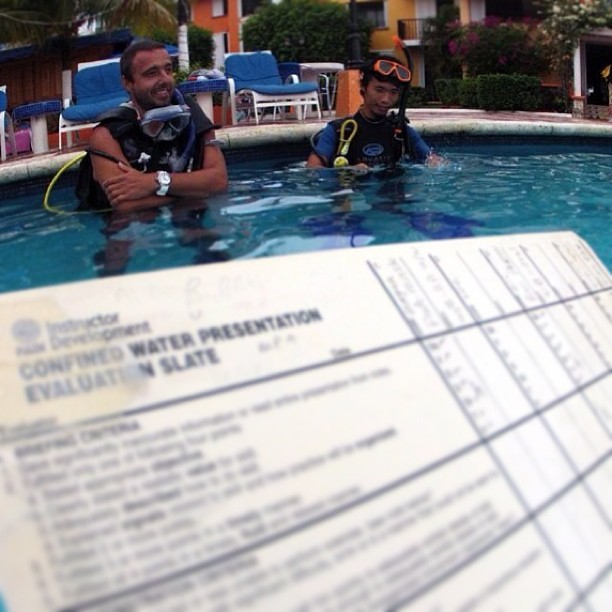 marikpeter:  #padi #instructordevelopment #idccourse #cozumel #pool #diver #divers #divemaster #scuba (at Hotel Cozumel & Resort)