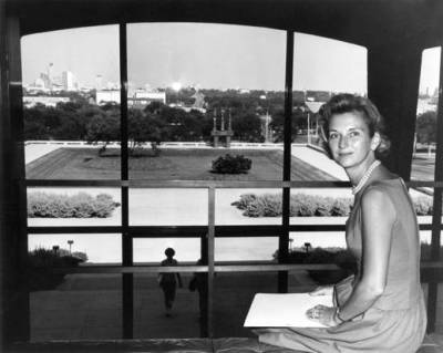 "Ruth Carter Stevenson of the Amon Carter Museum Dies at 89.  By the time Amon Carter died in 1955, he had acquired more than 700 paintings and sculptures, most of them by Remington or Russell. It fell to his daughter, Mrs. Stevenson, to fulfill the clause in his will to build a museum to house his collection. She recruited Philip Johnson to design a building, inspired by a Greek temple, on a triangle of land on the northwest side of Fort Worth. The museum opened in January 1961. ""Nearly immediately, Ruth began to realize that this should not just be a museum for Western art, but should be for all of American art,"" said Andrew J. Walker, the museum director. ""She begins to collect, with the help of her first director, Mitch Wilder, great masterworks of American art in all medias."" The museum now houses more than 200,000 paintings, sculptures, prints and photographs, among them works by Thomas Eakins, Georgia O'Keeffe, Winslow Homer, Mary Cassatt, Childe Hassam, Thomas Cole, Augustus Saint-Gaudens, Alexander Calder, Marsden Hartley, Frederic Church and Stuart Davis."