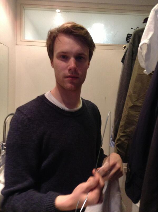 sashaatthebarricade:  ‏@Richard_Riddell Dressing room. Hugh skinner! #legend  #lesmiserables  #hughskinner show must go on pic.twitter.com/MruHQ2pYa3