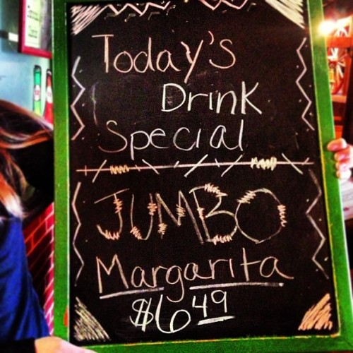 Today's the perfect day for a Jumbo Margarita at El Toro. Come visit me!! @bmboone @jonesbetsy @briiimarie @audreyhays25 @audwayhays (at El Toro)