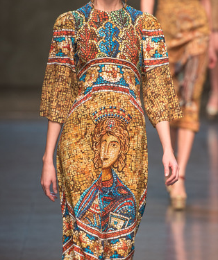 Canon Fashion Week Milan: Dolce & Gabbana - Autumn|Winter 2013Dolce and Gabbana looked back in time for their stellar Autumn|Winter 2013 ready-to-wear…View Post