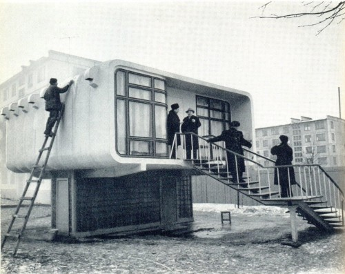 Photographs On The Brain Furtho: House in Leningrad, c1961 (via here) furtho: House in Leningrad, c1961 (via here)
