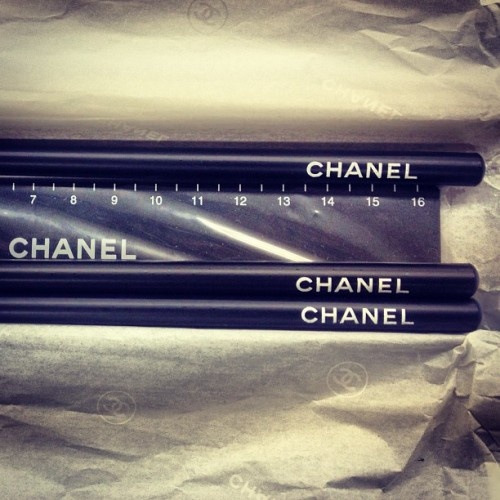 ✒Chanel Pen&Scale📏 #junkmania #deadstock #chanel #pen #scale #dope #chic #lux #fashion #rare