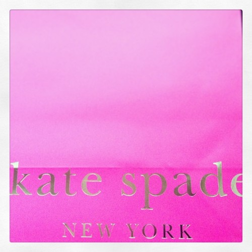 Why do I do this to myself? why? #meow #katespade #putabowonit 💕🎀💄