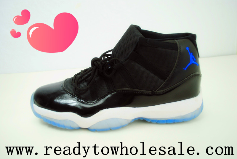 this is the Air Jordan 11 shoes, it's very famous and comfortable!