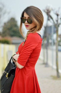 the-streetstyle:  Little Red Dressvia scentofobsession