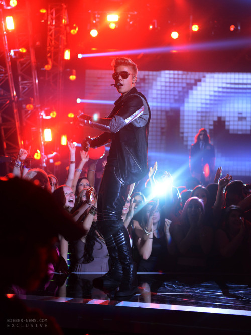 bieber-news:  (More) exclusive pictures of Justin performing '#ThatPower' at the BBMA.