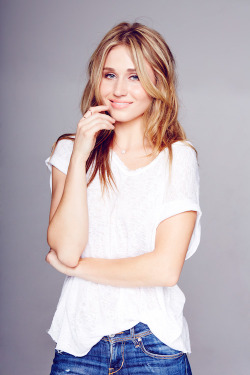 areyoufakingit:  Rita Volk for The TV Addict