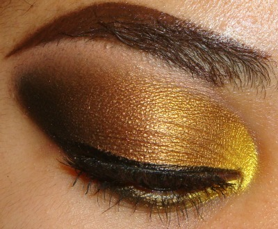 Bold Gold Smokey Eyeshadow Tutorial here  http://youtu.be/6mbEya6CGhI  http://www.youtube.com/user/MakeMeUpbyWhitney?feature=mhee  INSTAGRAM : MMUxWhitney