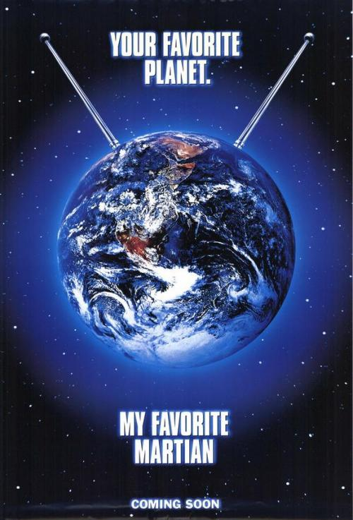 My Favorite Martian (1999) Director: Donald Petrie Christopher Lloyd as Uncle MartinJeff Daniels as Tim O'HaraWayne Knight as Zoot, Martin's Talking Space Suit (voice)Daryl Hannah as LizzieRay Walston as ArmitanElizabeth Hurley as Brace ChanningWallace Shawn as Coleye