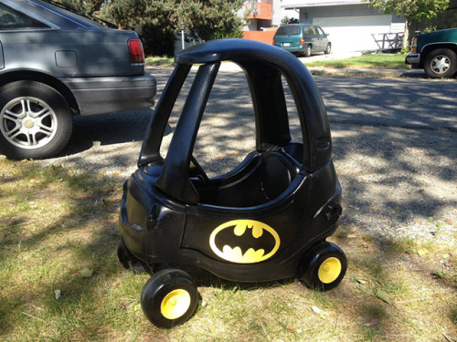 laughingsquid:  Dad Turns Cozy Coupe Toy Car Into a Batmobile For His Young Son