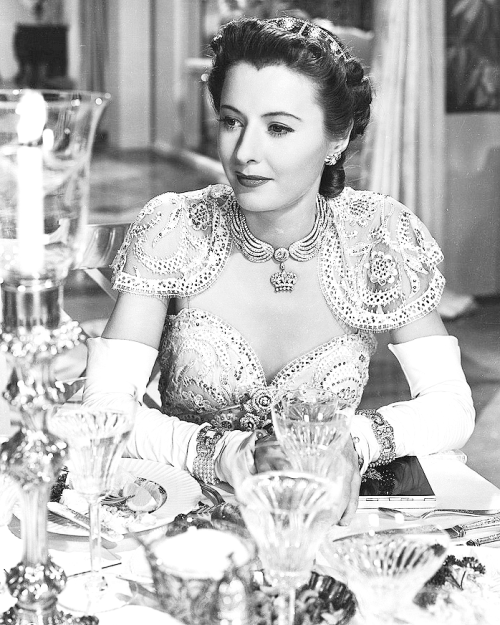 mariedeflor:  Barbara Stanwyck photographed for The Lady Eve, 1941
