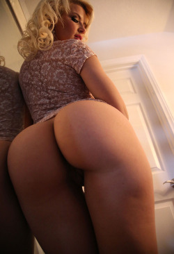 assandpants:  Ass picshttp://assandpants.tumblr.com/