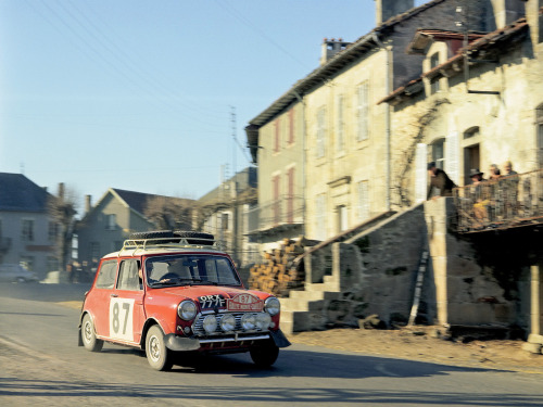legendsofracing:  Works Mini Cooper Monte-Carlo Rally weekend! The BMC Mini Cooper S driven by Paddy Hopkirk and Ron Crellin at theRallye Monte-Carlo in 1968. The finished fifth, behind the other two Mini Coopers