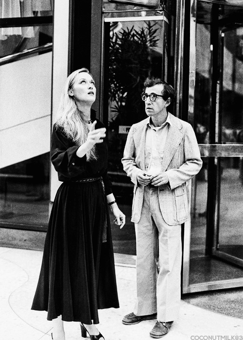 coconutmilk83:  Meryl Streep & Woody Allen | On the set of Manhattan, 1979 (✗)