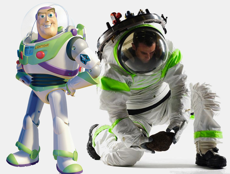 digg:  NASA's new spacesuit looks exactly like Buzz Lightyear.  This HAD to be on purpose.