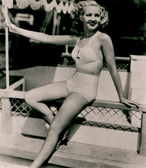 livingitup77:  Betty Grable c. 1939