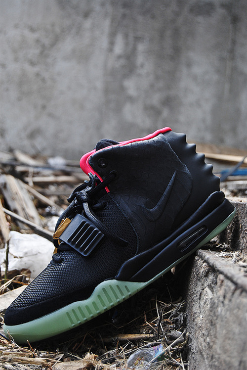 lando-was-here:  Nike Air Yeezy 2
