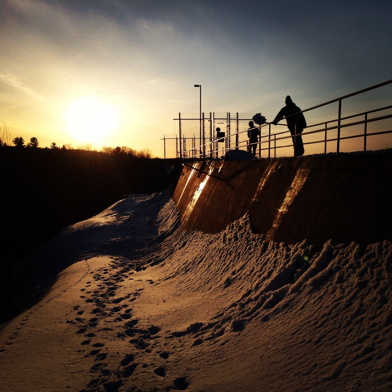 vacationtonowhere:  Untouched rail to bank spot