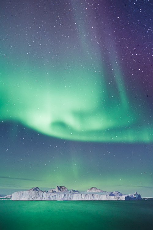 refluent:  Aurora Dance (by Timo Lieber)  I want to see this just once in my life
