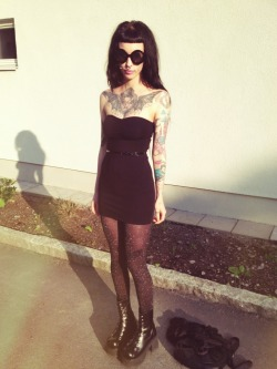 murderotic:  Outfit that I wore for a short time today, I had the cardigan on the grown on me too ^-^  so beautiful