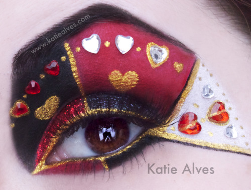 This is my take on Alice in Wonderland's Queen of Hearts! I bought these heart jewels and finally got an idea for them! I used Sugarpill, Lit Cosmetics, Naked Cosmetics and Lime Crime to create this.