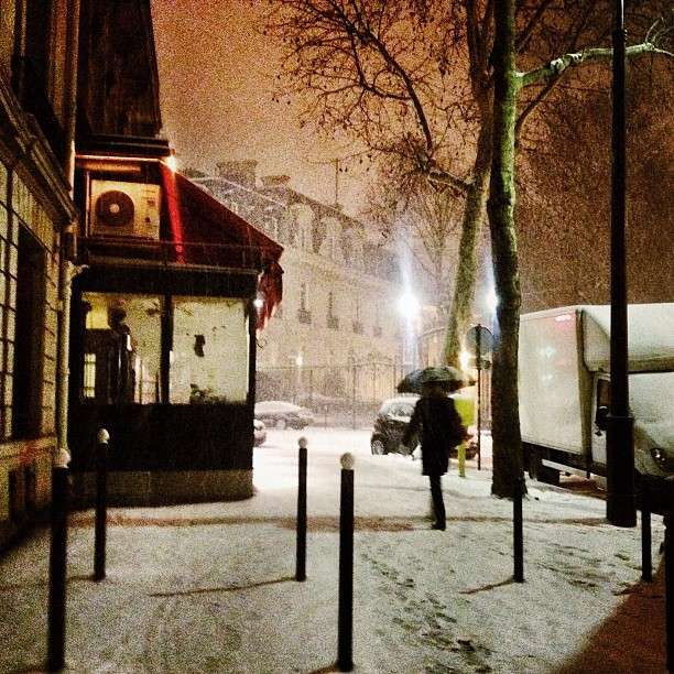 Snow in Paris (à Paris)