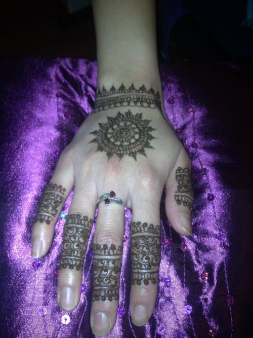 Henna By Fahmida