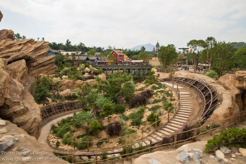 celebratingdisney:  HKDL Oct 2012 - Riding Big Grizzly Mountain Runaway Mine Cars by PeterPanFan on Flickr.