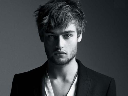 Douglas Booth joins Jupiter Ascending Jupiter Ascending follows an intergalactic bounty hunter who is sent to kill a human girl whose existence threatens the queen of the universe… [more]
