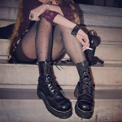 girl fashion style Grunge 90s dr martens docs martens