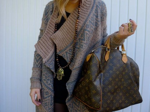 fabulousandclassy5:  Fall/Winter Style Inspirations. on We Heart It - http://weheartit.com/entry/41452442/via/Old_Hollywood_Class