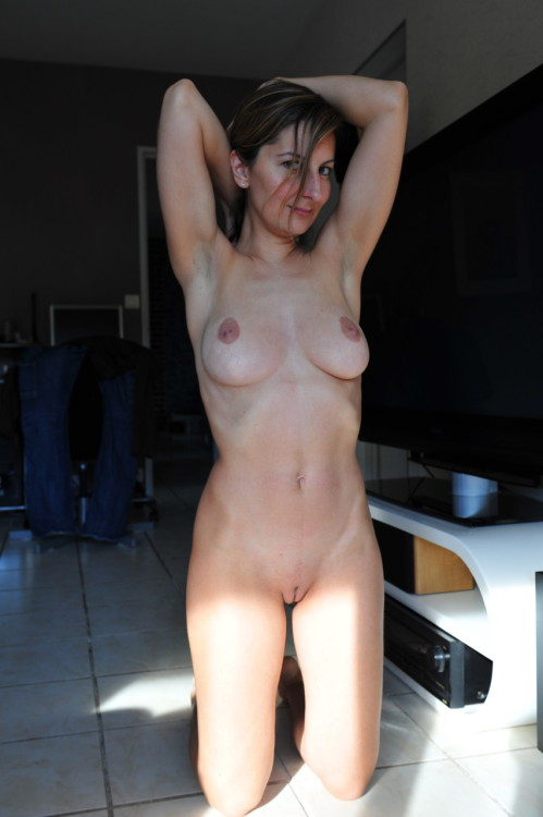 Mature Amateur Wife- Mature and Sexy Amateur Wifes Everyday