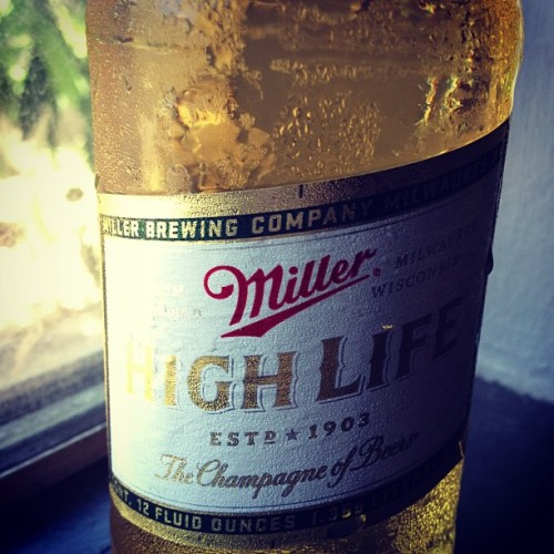What a lovely Tuesday <3 #miller #highlife #champagneofbeers #beer #lml