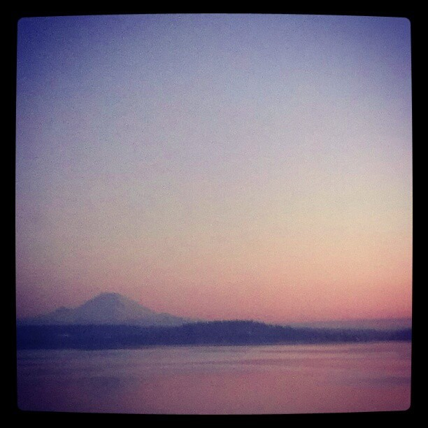 Brutal commute. #Seattle #sunset #rainier  (at Evergreen Point Floating Bridge)