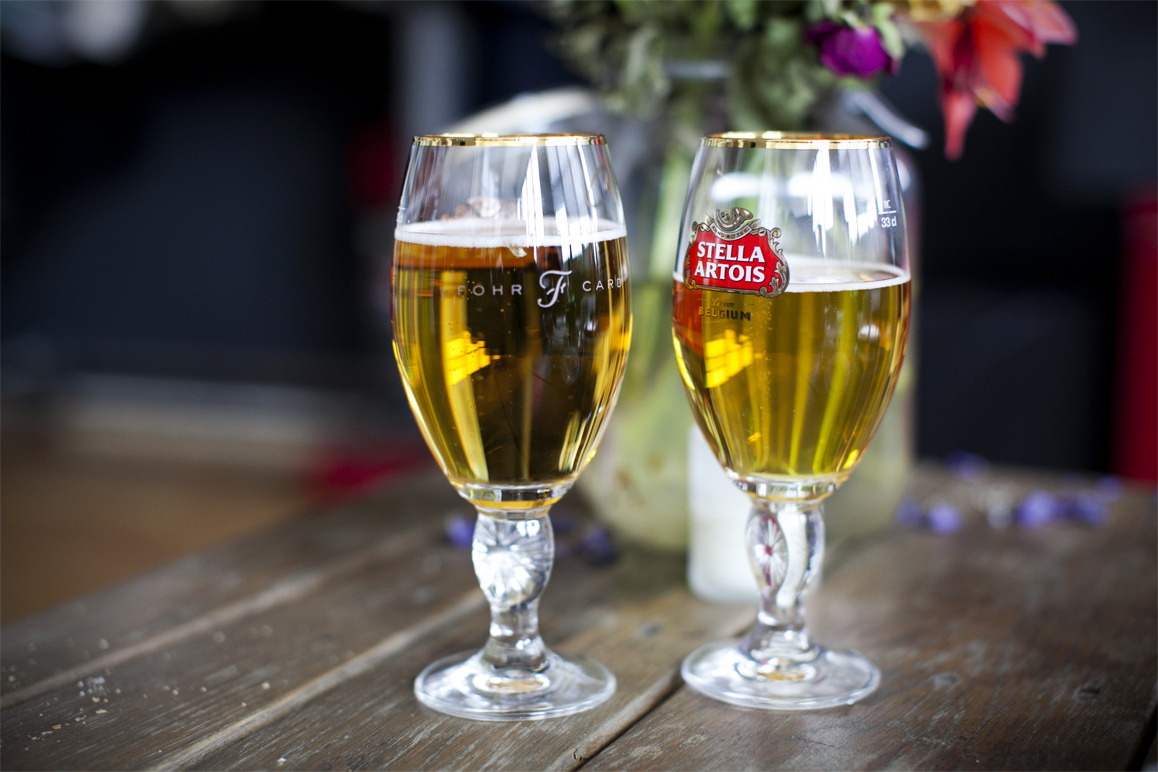 richtong:  proud to have @stellaArtois as our first official partner for #tenFohr talk night.  Unreal. Or too real.