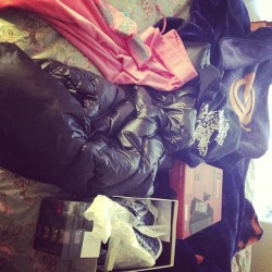 my presents 😍 a juicy couture jacket and pants , coach shoes , a guess jacket , speakers , and nail polish ^.^ 💙 #merry #christmas #blessed