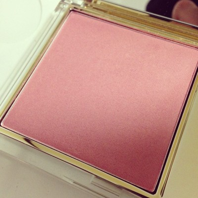exchanged an #esteelauder #lipstick for this #blush called #peachpassion  really dont need new blush but i could do without the super sparkly grainy lipstick i got