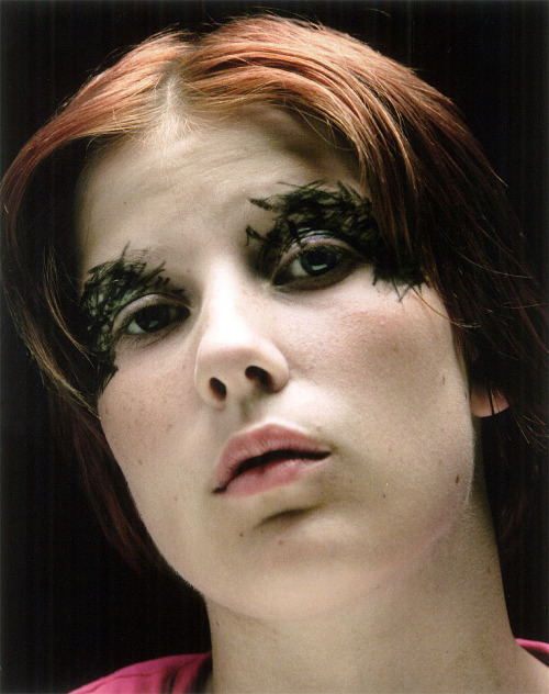 cotonblanc:  Postpunk, View on Colour (2000)photography ronald stoops make-up inge grognard   INGE GROGNARD/RONALD STOOPS, Ludion