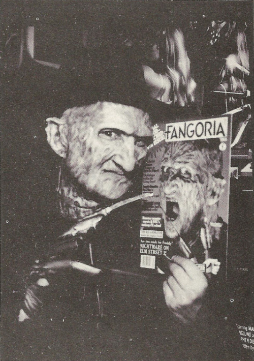 johnny-dynamo:   Freddy loves his Fangoria.