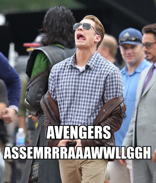 tumblr mmb7rx43ac1rfkbzyo1 500 Avengers, Assemble! (to knit my scarf for me)