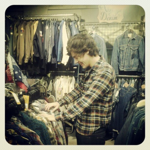 Photo: Harry thrifting today