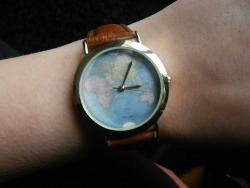 boxful:  boxful:  my new watch from asos dot comtime travel