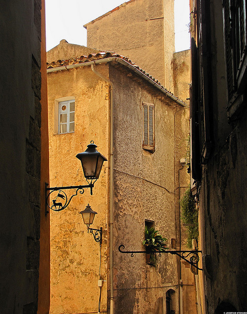 | ♕ |  Maison d'Ocre - Grasse, France  | by © ratexla