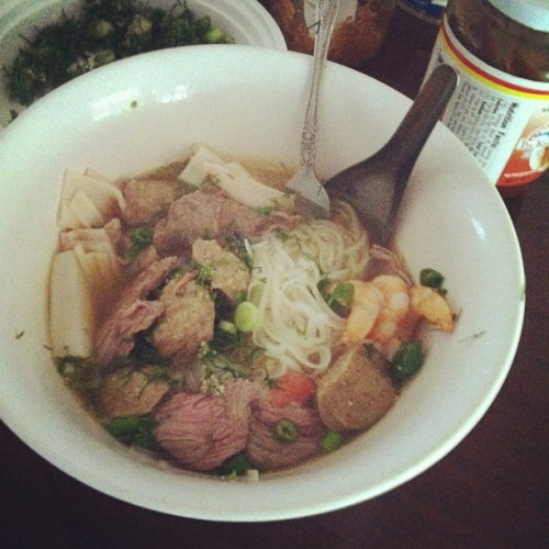 Homemade pho on this rainy day :) #eatgoodlivegood #pho #asian #noodles #beef #seafood #laos #khmer #laobodian